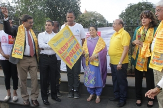 Mrs. Rajshree Birla-Director, Chairperson, Aditya Birla Centre for Community Flags Off Endurothon Gateway Challenge