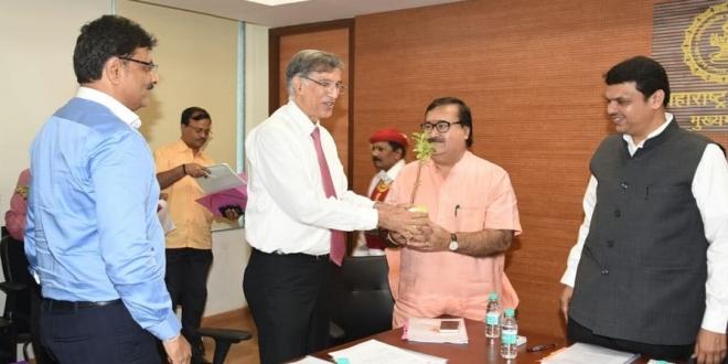 NAREDCO Delegation Meets Maharashtra CM